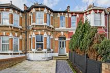 2 bedroom Flat in Clarendon Road, London...