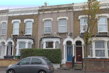 1 bed Ground Flat in High Road Leytonstone...