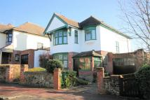 Detached house in Mount Avenue, CHALKWELL...