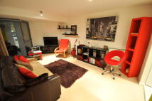 Flat to rent in Berberis House West...