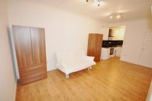 Ground Flat to rent in STUDIO FLAT South Ealing...