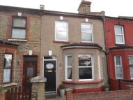 3 bed Terraced house in Park Terrace, Greenhithe.