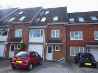 4 bed Terraced house to rent in Romney Drive, Bromley