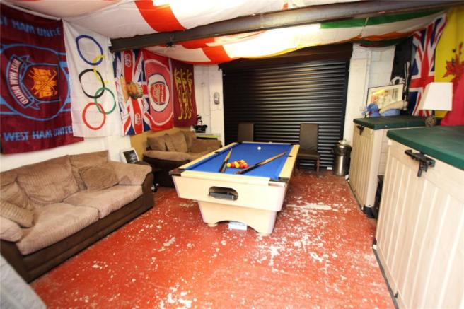Garage/Games Room