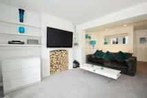 2 bedroom Flat for sale in Kent House Road...