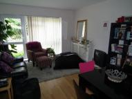 Flat to rent in Windfield Close...