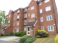 Flat to rent in Crosslet Vale, London...