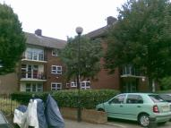 Studio flat to rent in Memorial Avenue, London...