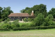 4 bed Detached property in Rural Four Elms...
