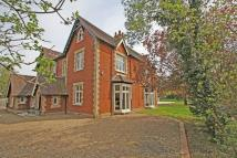 6 bedroom semi detached house for sale in Horley