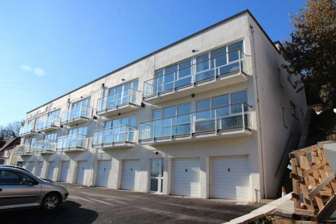 1 Bedroom Apartment For Sale In Lakeview Court Newquay Tr7