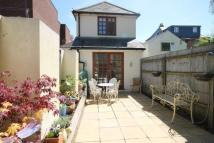 semi detached property to rent in Commercial Road...