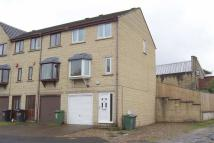 Town House to rent in Stoney Cross Street...