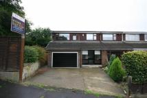 4 bed semi detached house in Southlands Drive, Fixby...