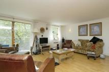 Flat to rent in Chiswick High Road...