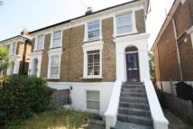 3 bed Flat to rent in Cambridge Road North...