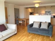 Flat to rent in Town Meadow, Brentford...