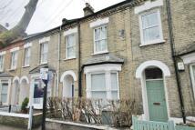 4 bed home in Elliott Road, London, W4