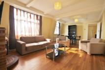 2 bed Flat in Beverley Court, London...