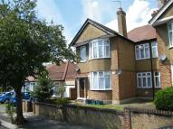 2 bed Maisonette in Whitney Avenue...