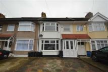 3 bedroom Terraced house in Yoxley Drive, Ilford...
