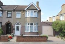 3 bed End of Terrace house in Salisbury Avenue...