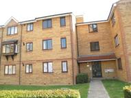 1 bed property in Redford Close, Feltham...