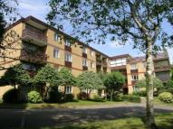 Flat to rent in Rivermead House...