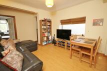 Maisonette to rent in Littleton Road, Ashford...