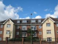 Flat to rent in Staines Road East...