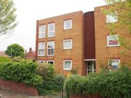 2 bed Flat in Lois Court...
