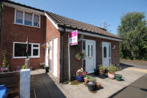 Flat in Laxfield Drive, Flixton...