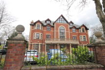 2 bed Apartment for sale in Carrington Road, Urmston...