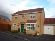 3 bed Detached property in Hawksworth Crescent...