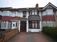 4 bed Detached house in Burns Road, ALPERTON...