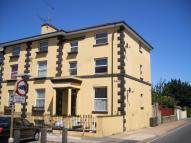 Pier Road Flat to rent
