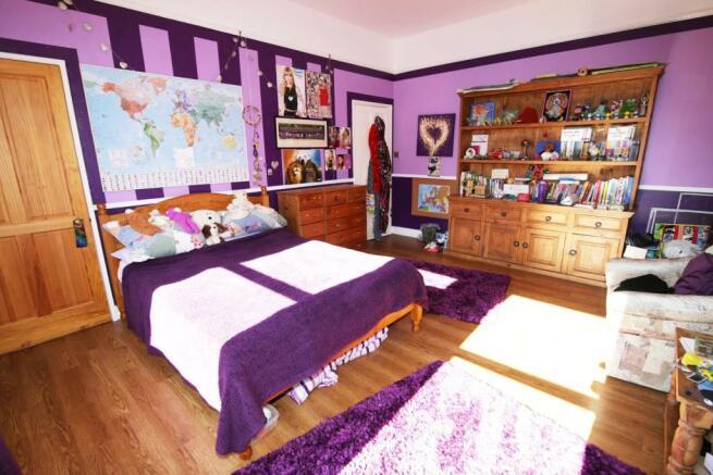 Bedroom 2 (Large).jp