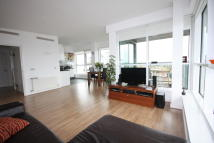2 bed Penthouse to rent in Building 50, Argyll Road...