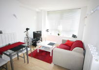 Apartment to rent in Cadogan Road, London...