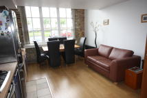 Apartment to rent in Building 45, Hopton Road...