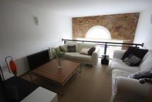 2 bedroom Duplex for sale in Hopton Road...