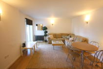 2 bed Apartment in HOPTON ROAD, London, SE18