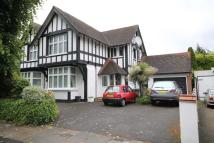 5 bedroom Detached home in Abbey Road...