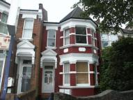 Flat to rent in Bowes Road, London, N11