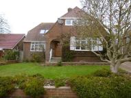 4 bed Detached property to rent in Cleveland Road, Worthing