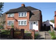 3 bed semi detached house to rent in Croydon