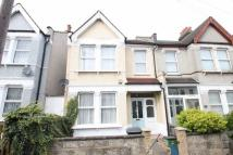 3 bedroom Detached house to rent in South Norwood