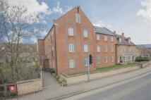 Flat to rent in Blackbridge Court...