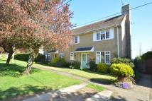 2 bed semi detached property in Valley Way, Thickwood...