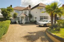 5 bedroom Detached home in Aylestone Avenue...